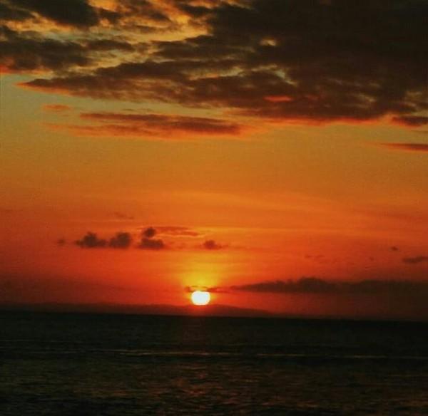 Sunset di Sombu