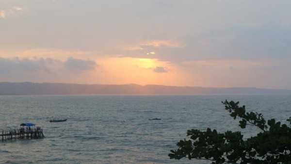 Pesona sunrise di Pantai Pangandaran
