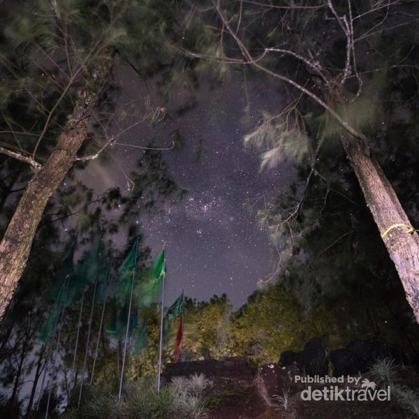 Indahnya malam di Pos 5, Makuthoromo