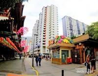 Pemandangan di Sago Street yang terletak disebelah Budha Relice Tample