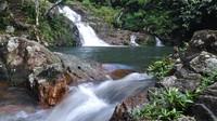 Bosan dengan air asin? Pulau Jemaja punya Air Terjun Neraja, letaknya di Desa Ulu Maras, Kecamatan Jemaja Timur.