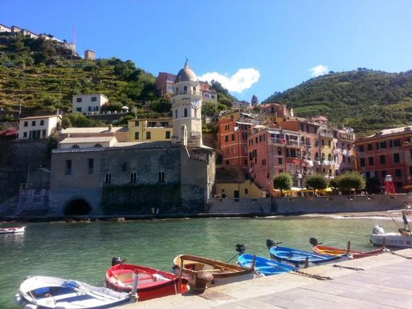 Vernazza, salah satu dari 5 desa di Cinque terre yang masuk dalam situs budaya warisan UNESCO.