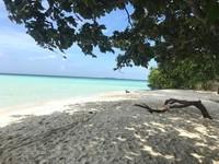Pasir putih di Pulau Cemara Kecil