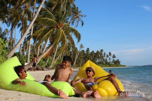 enjoy at Asok Island