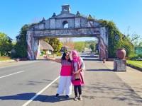 Jangan lupa untuk mengabadikan momen liburan kamu di sini ya. Ini adalah gerbang masuk ke Provinsi Ilocos Norte, Filipina
