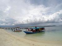 Pulau Liukang Memang terkenal dengan pantai putihnya.