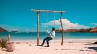 Tanjung Aan menjadi pantai terbaik yang saya temui di Lombok