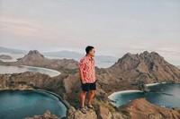 Keindahan Pulau Padar dari atas bukit