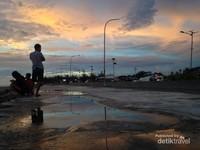 Senja Menghadap Samudera Hindia
