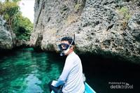Snorkeling di crystal water Pulau Sera