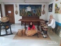 Spot foto alat musik
