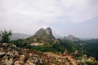Eksotisme Bukit Batu Stone Garden di Padalarang