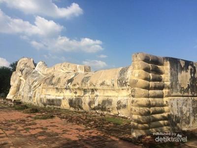 Situs Buddha Tidur yang Megah di Ayutthaya
