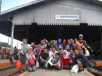 Di stasiun Rangkasbitung bersama peserta Opentrip