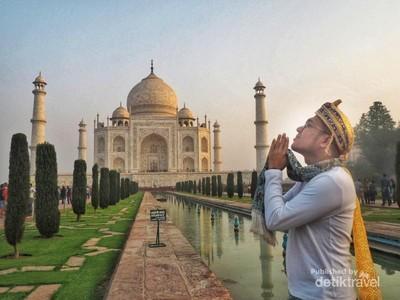 Pesona Romantis Taj Mahal di Agra, India