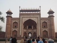 Gerbang Taj Mahal