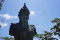 Patung Dewa Wisnu di Mata Air Parahyangan Somaka Giri, untuk berkunjung ke sini ada aturannya