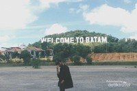 Welcome to Hollywood. Ups, I mean Batam