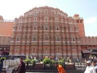 Hawa Mahal di waktu siang