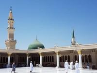 Nah yang kubah hijau ini Makam Baginda Nabi Muhammad SAW, duh kangen banget