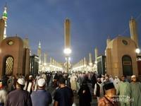 Masjid ini hampir tidak pernah sepi, jadi kapan kalian terakhir ke Madinah guys ?