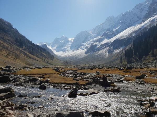 Keindahan Thajiwas Glacier Sonamarg, Kashmir