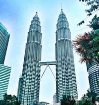 menara kembar atau Petronas