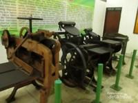 Mesin percetakan uang jaman dahulu