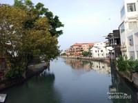 Pemandangan Sungai Melaka dari jembatan Tan Kim Seng