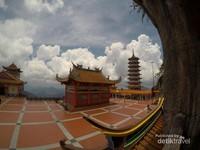 Kuil Gua Chin Swee dan Pagoda 9 Lantai