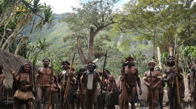 Disambut Hangat Penduduk Asli Papua di Desa Suroba