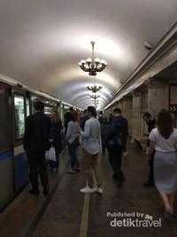 Keindahan stasiun kereta di Moskow