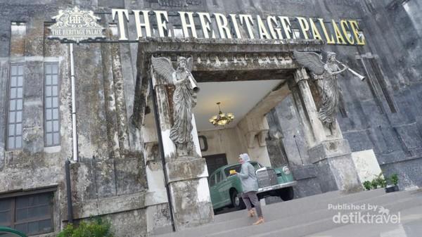 Megahnya bangunan The Heritage Palace.