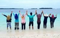Foto bareng di Kepulauan Seribu