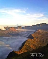 Gunung Bromo salah satu pesona Asia yang wajib dikunjungi oleh dTraveler