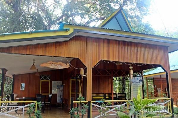 Rumah adat Pulau Bacan