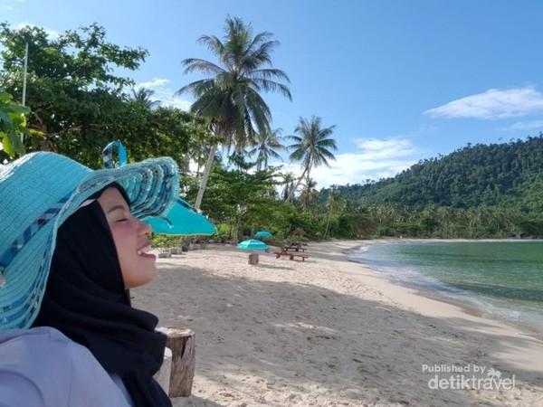 Menikmati Alam Pulau Temajo, Kalbar
