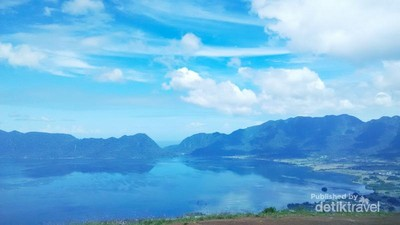 Puncak Lawang, Spot Terbaik Melihat Danau Maninjau dari Ketinggian