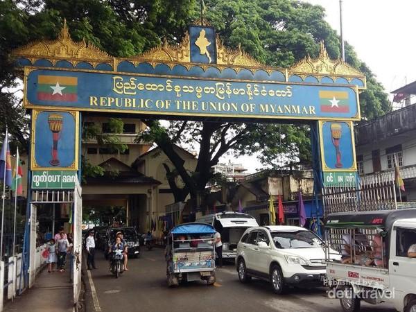Memasuki wilayah Myanmar