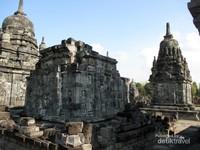 Candi Sewu memiliki arsitektur yang indah dan menawan.