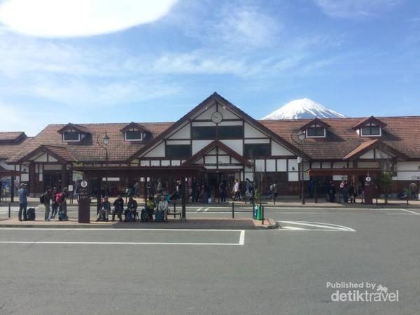 Stasiun Fujikawaguchiko