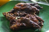 Ayam taliwang dengan bumbu yang enak dan pas