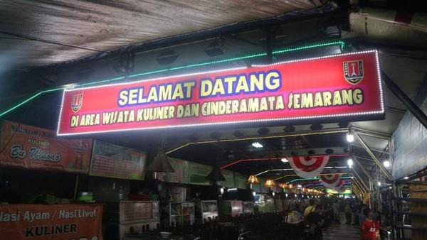 Wisata Kuliner Malam Di Simpang Lima Semarang