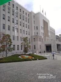 Osaka prefecture government ( gedung pemerintahan Osaka prefektur)