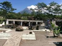 Rumah Berlatar Gunung Merapi, saksi bisu dahsyatnya erupsi