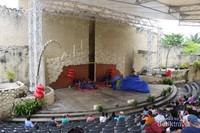 Amphitheater adalah tempat berlangsungnya pertunjukan tari dan dapat menampung penonton hingga 500 orang.