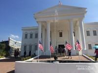 White House yang ada dalam wahana The Legend Star