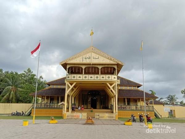 Istana Kesultanan Kadriyah Pontianak
