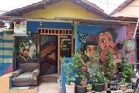 Dinding rumah di Kampung Bekelir ada muralnya
