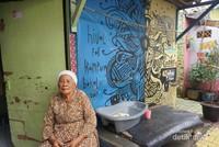 Rumah warga dicat warna-warni